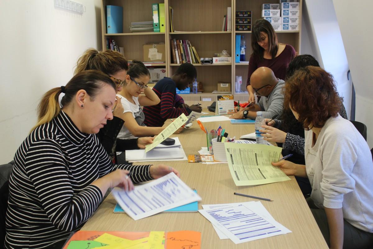 AISA: Herritar etorriberrientzako hastapeneko euskara eskolak Oiartzunen