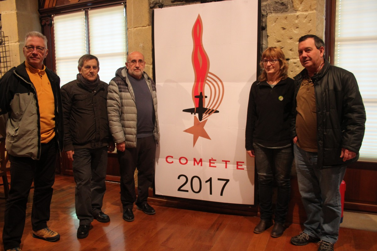 Comète Sareari buruzko erakusketa ikusgai udaletxean