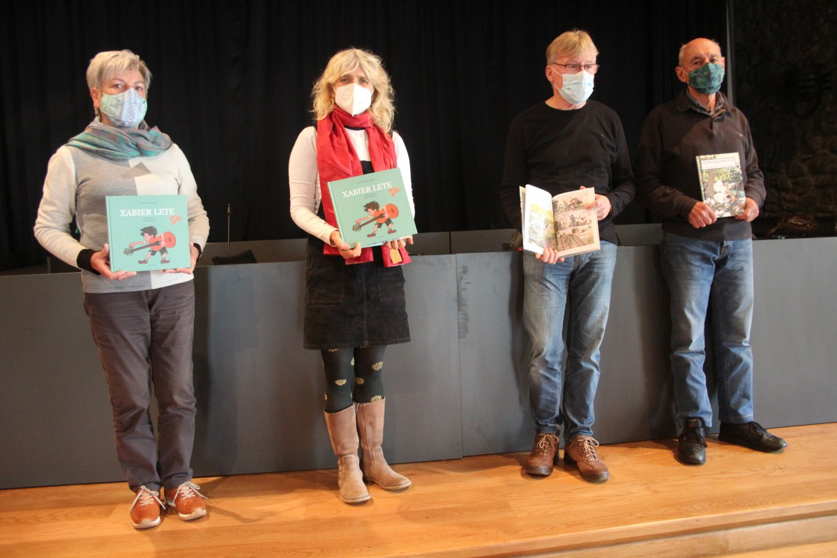Oiartzungo ondarearen lotutako bi liburu argitaratu dituzte Antton Kazabonek eta Jokin Mitxelenak